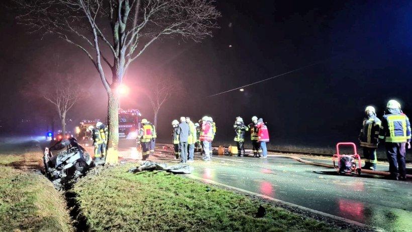 Wolfenbüttel: Unfall auf L495! Fahrer verbrennt in Auto
