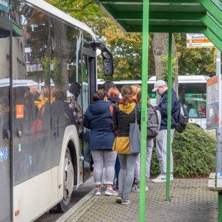 Nicht alle Fahrgäste kommen in Wolfenbüttel mit der Maskenpflicht zurecht. (Archivbild)