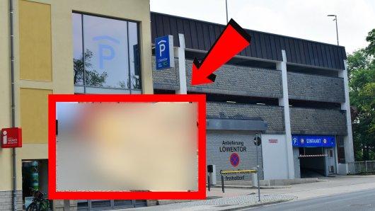 In Wolfenbüttel wollen die Autofahrer nicht im Parkhaus parken. Die Stadt hat deshalb etwas aufgestellt.