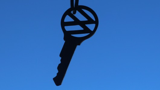 Autofahrer sollen bald bundesweit den Schlüssel zu sauberen Fahrzeugen bekommen können. (Symbolbild)