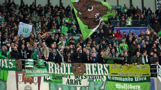 VfL-Fans in Aktion. (Archivbild)