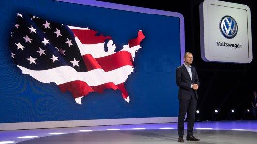 VW-Chef Diess dürfte nicht zufrieden sein mit den neuen Absatzzahlen aus den USA (Archivbild).