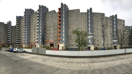 Das marode Kettenhochhaus in Westhagen soll bald Geschichte sein.