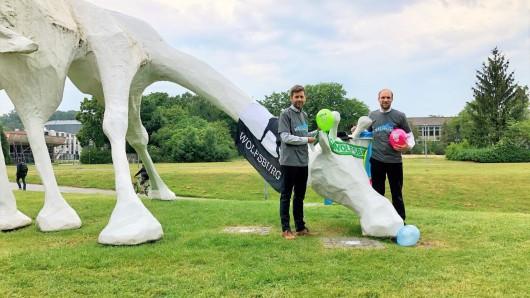 Dennis Weilmann (Geschäftsführer der WMG) und Jens Hofschröer (Geschäftsführer der WMG) bei der Giraffe.