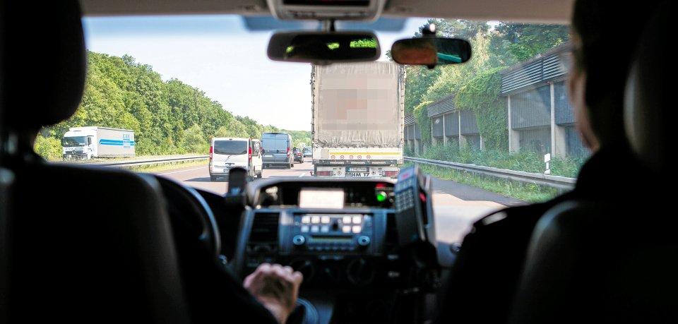 123 Lkw gingen der Polizei auf der A2 bei Hannover ins Netz. (Symbolbild)