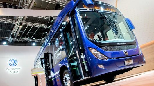 Der elektrisch betriebene Volksbus e-Flex steht Stand von Volkswagen bei der IAA Nutzfahrzeuge.