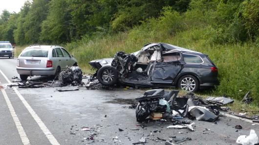 Schlimmer Unfall auf der B188 bei Wolfsburg.