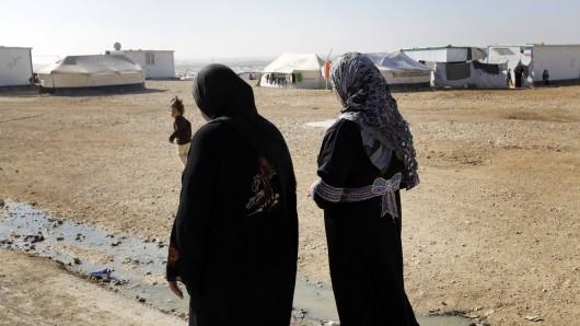 In der Bundesregierung besteht die Sorge, dass radikalisierte IS-Frauen - ebenso wie ihre Männer - oft ein zu großes Sicherheitsrisiko darstellten.