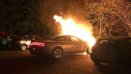 Der Dodge aus Wolfsburg erlitt einen Totalschaden.