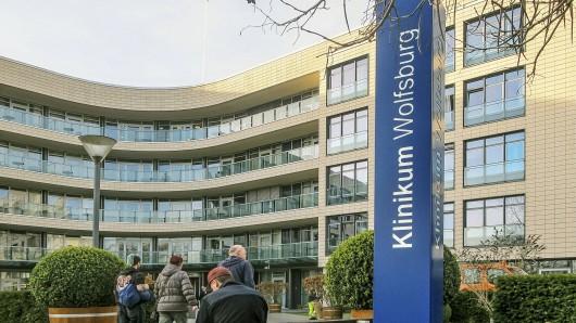 Wolfsburg wird vom Coronavirus erschüttert. Jetzt hat es erste Corona-Fälle am Klinikum Wolfsburg gegeben. Die Konsequenz: Aufnahmestopp. (Archivbild)