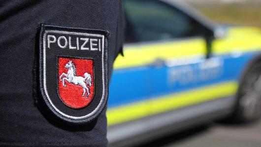 Ein auf der A7 bei Hildesheim gestoppter Alkoholsünder hat sich zum Verdecken seiner Fahne kurzerhand Parfüm in den Mund gesprüht. (Symbolbild)
