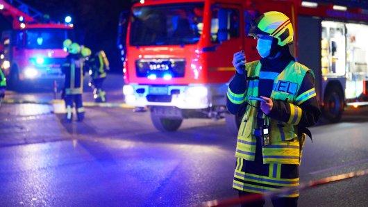 Passanten haben einen Feuerschein in Fallersleben in Wolfsburg entdeckt. Dann ging es um Sekunden! (Symbolbild)
