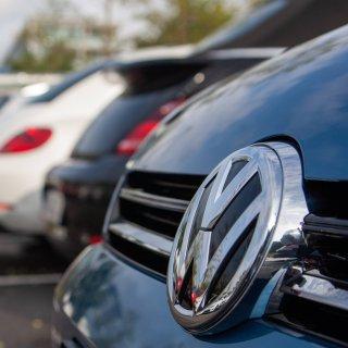 Eine VW-Fahrerin aus Wolfsburg hatte Glück. Es hätte böse enden können. (Archivbild)